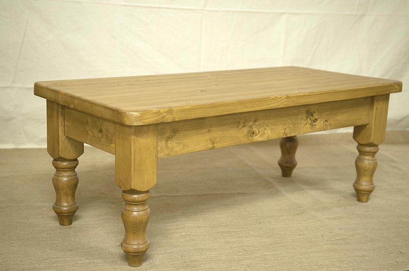 Pine Coffee Table With Carved Feet | Coffee Tabl