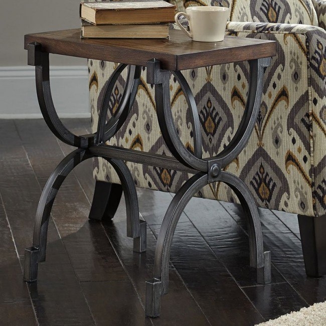 Baybrin Chairside Table Signature Design | Furniture Ca