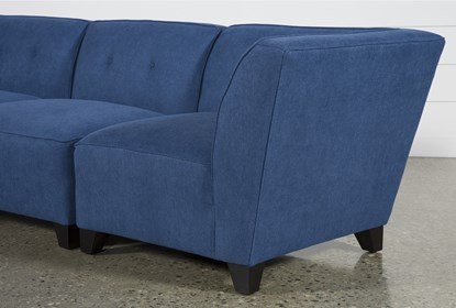 Benton II 4 Piece Sectional With Left Facing Bumper Chaise .