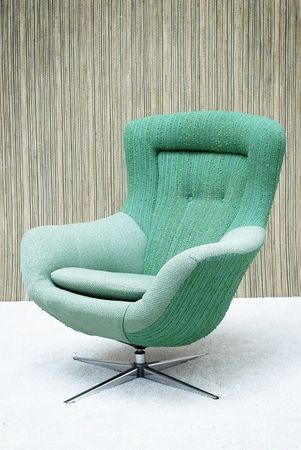 CHAIRS IDEAS | vintage swivel chair , perfect form modern decor .