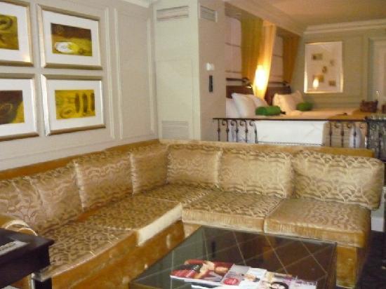 Sectional sofa - Picture of The Venetian Resort, Las Vegas .