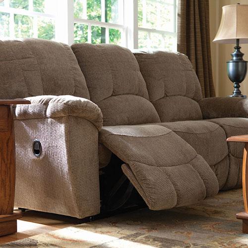 Hayes Reclining Sofa | La-Z-B