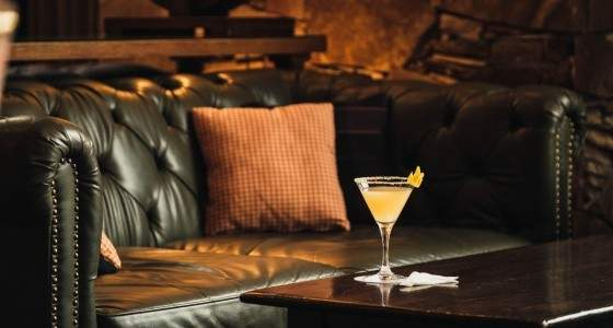 Mallard Lounge's Bee's Knees cocktail   Eat Nor