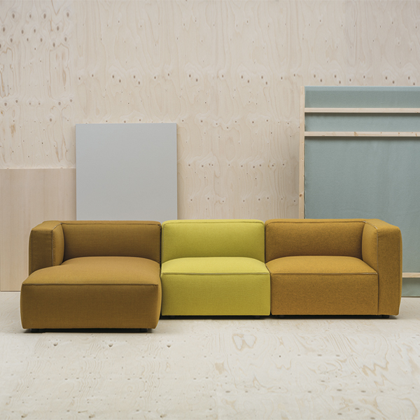 Dado modular sofa, a new design by Alfredo Häberli - AndNews .