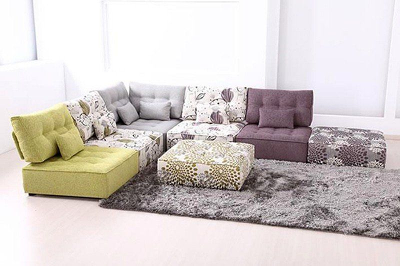 Small modular sofa sectionals : type of sofa for a stylish look .