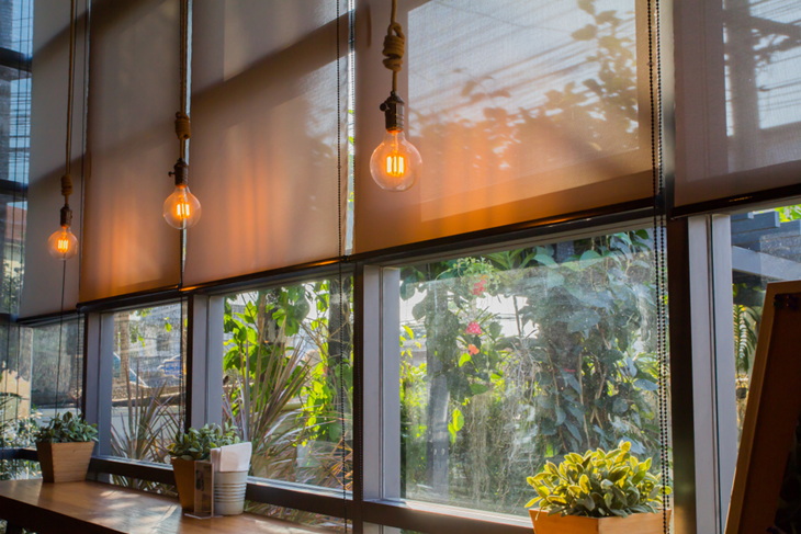 Advantages Of Using Automatic Blinds For Your Kitchen - Columns .
