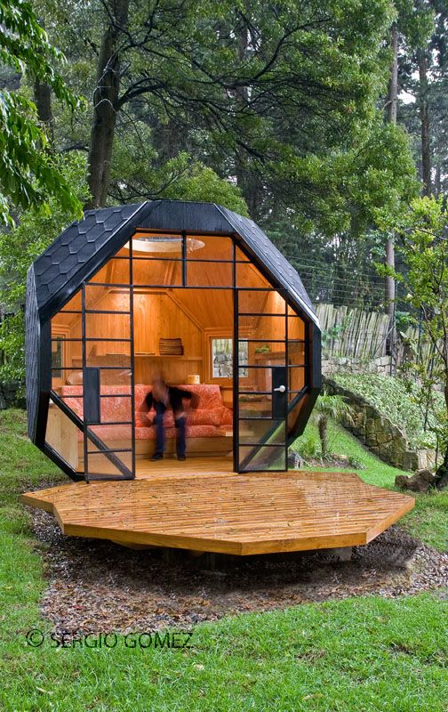 Habitable Polyhedron / Manuel Villa | Backyard cottage, Backyard .