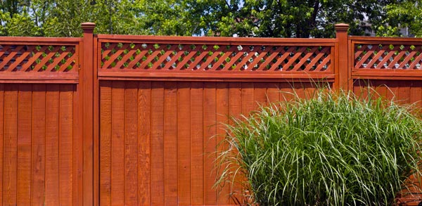 What Style of Wooden Fence Should I Choose for My Backyard?   Out .
