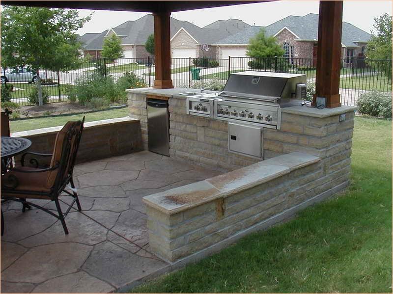 cozy backyard kitchen for bbq 28 - Daily Home Li