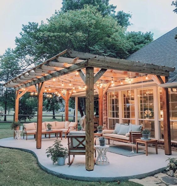42 Stunning Backyard Patio Decoration Ideas - iDoRo