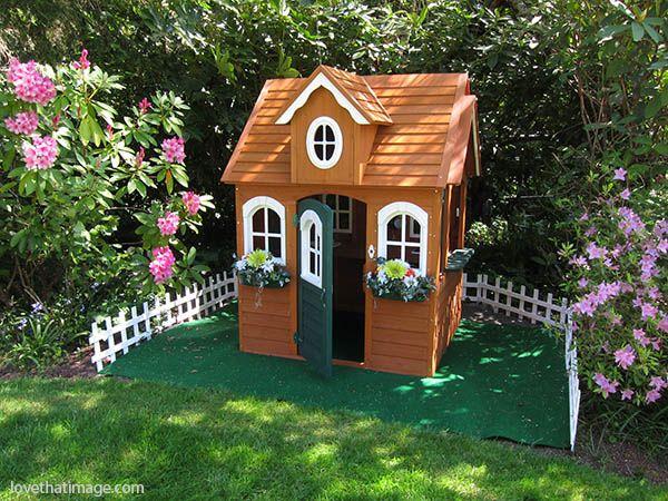 Backyard playhouse | Sara's Fave Photo Blog | Backyard playhouse .