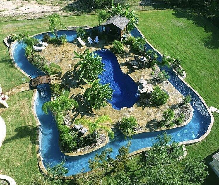 Amazing backyard pool : pi