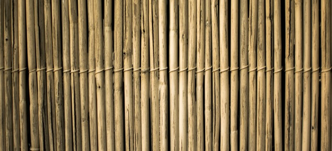 Bamboo Outdoor Blinds vs Plastic Outdoor Blinds | DoItYourself.c