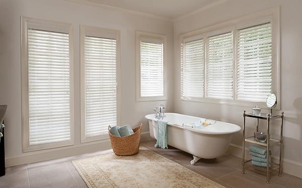 7 Bathroom Window Treatment Ideas for Bathrooms | Blindsgalo