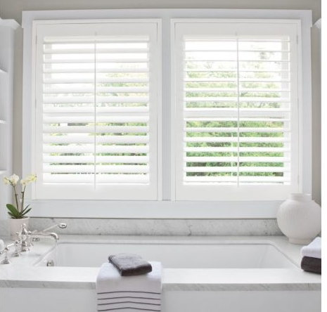 Which Blinds Are Best For Your Bathroom - Royal Cre