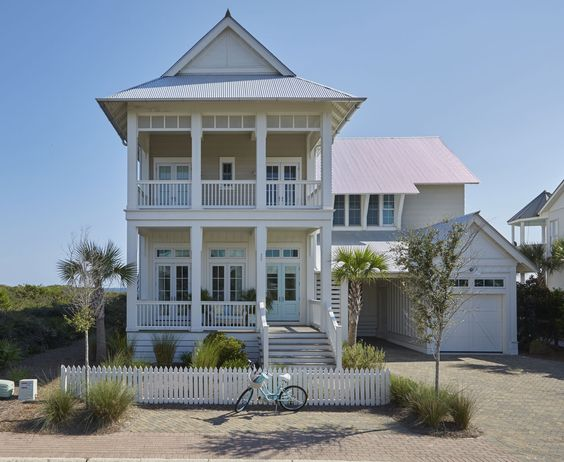 Beach Pretty House Tours: In Love with this Amazing Beach House in .