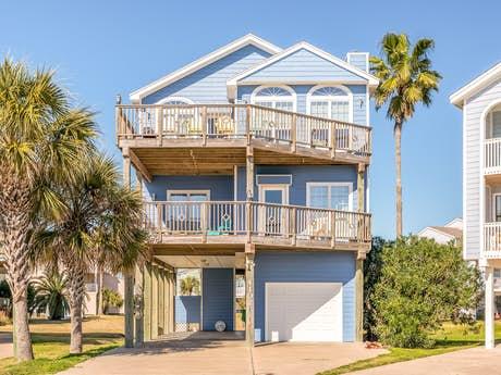 Pirates Beach Rentals | Galveston Beach Houses | Vaca