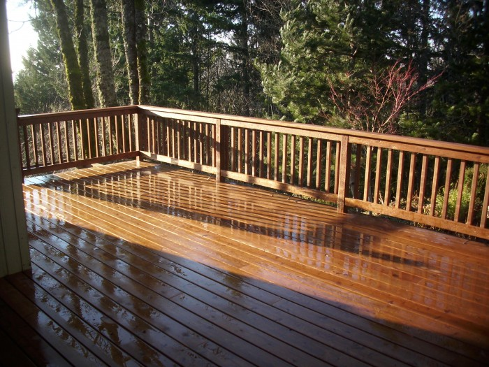 Pre-stained cedar deck | Deck Masters, L