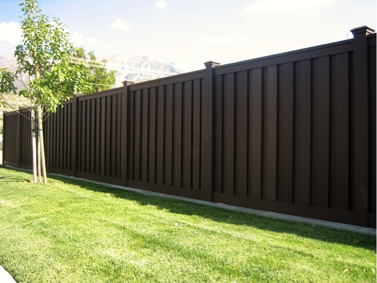 What are the Pros and Cons of Composite Fencing? - Action Fen