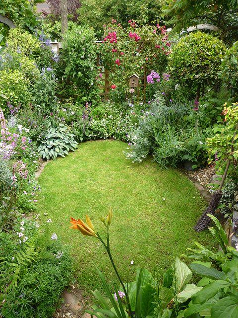 sunken garden | Small cottage garden ideas, Cottage garden .