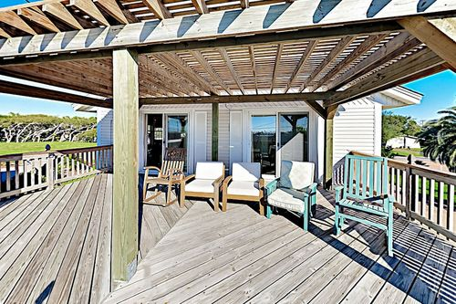 Book Coastal W/ Covered Deck, Yard & Bay Views! 3 Bedroom Home in .