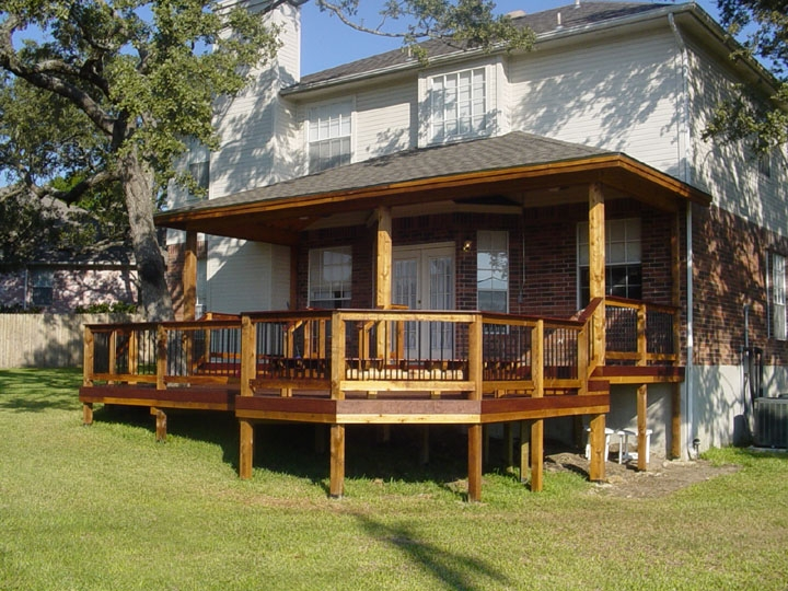 Mixed Composition Deck and Patio Cover - Braundera.c