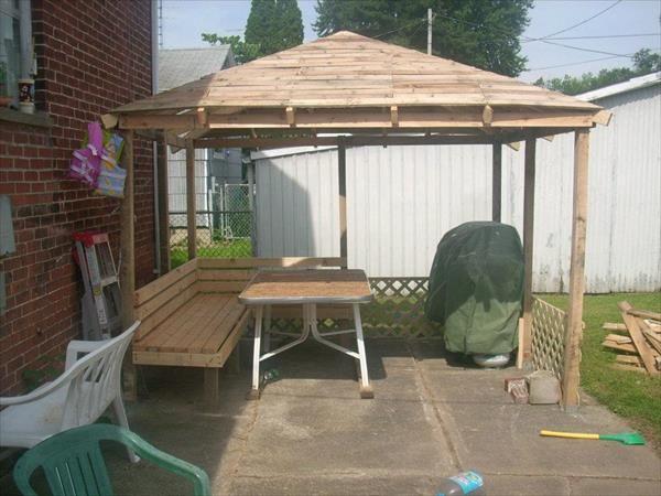 DIY Pallet Gazebo - Outdoor Pallet Ideas | 99 Pallets | Diy gazebo .