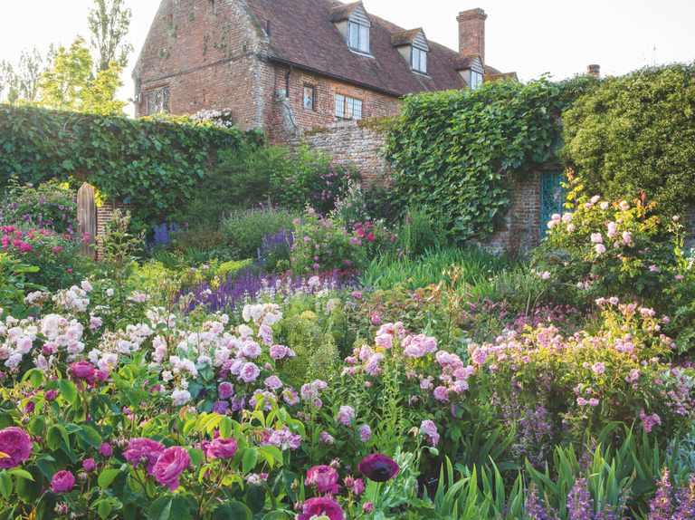 25 of the best English gardens to visit - Gardens Illustrat