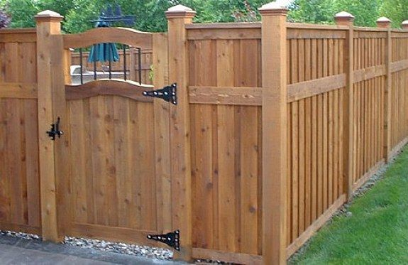 Pin by Brittany Lynn Wallace on fence | Privacy fence designs .