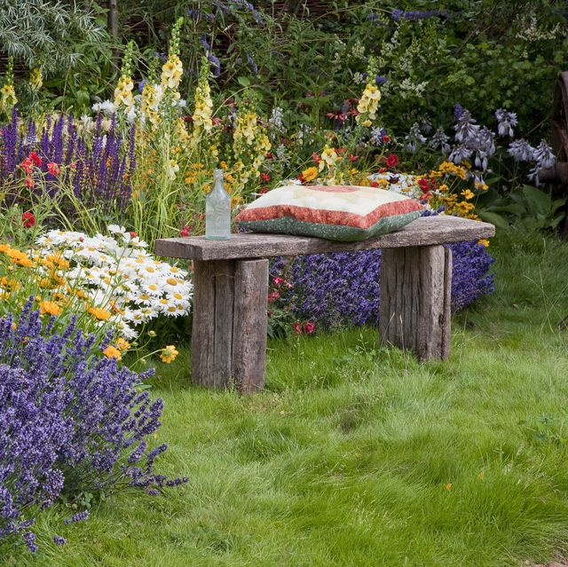 22 DIY Garden Bench Ideas - Free Plans for Outdoor Bench