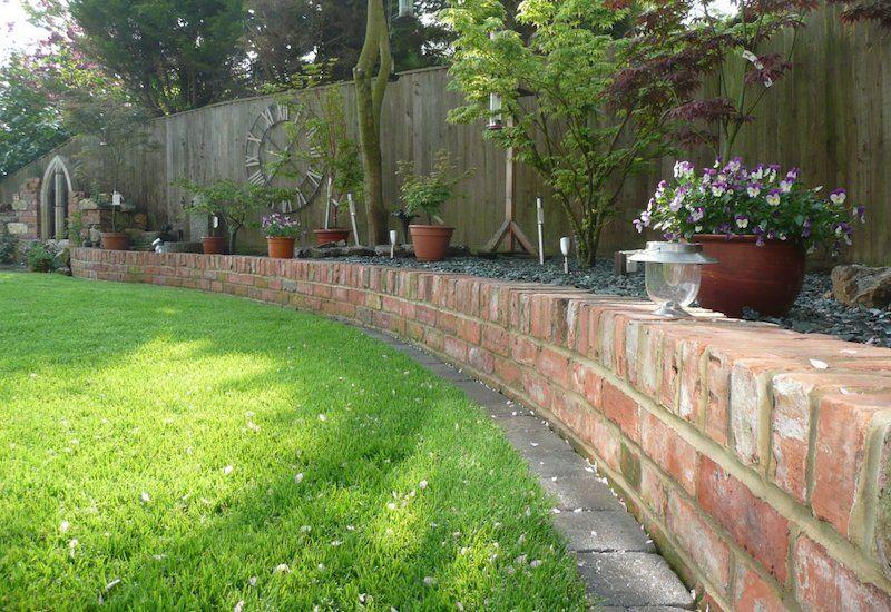 30 Brilliant Garden Edging Ideas You Can Do At Home | Brick garden .