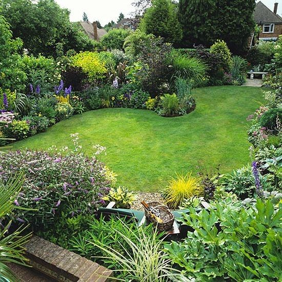 Garden border shape ideas | Cottage garden design, Garden layout .