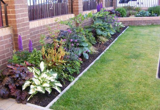 Small garden borders | Garden borders, Small front garde