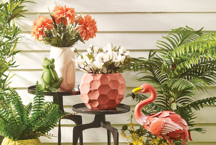 Garden Decor Ideas to Create Your Own Slice of Paradi