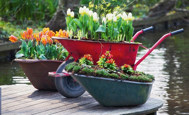 12 ideas for cheap and simple homemade garden decoratio