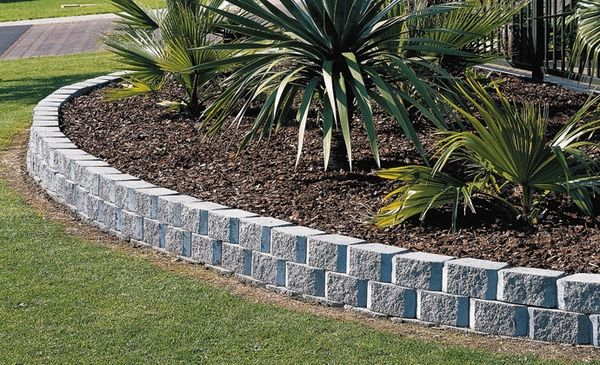 Gorgeous landscape designs and modern garden edging ideas | Cinder .