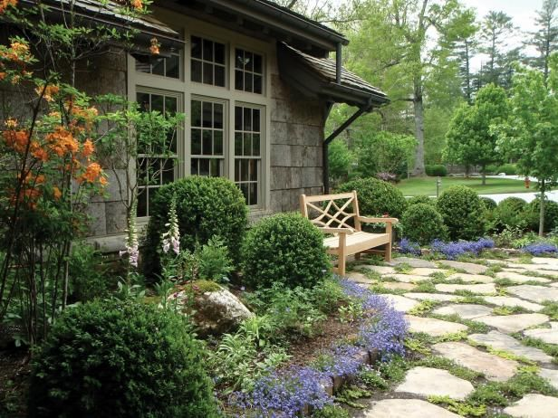 Charming Cottage Garden With Flagstone Pavers | Cottage garden .