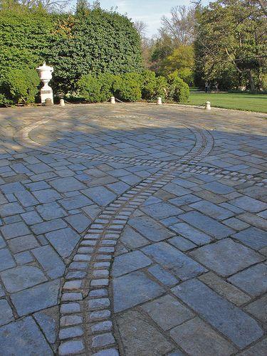 Unique paving patterns | Paving pattern, Backyard remodel, Garden .
