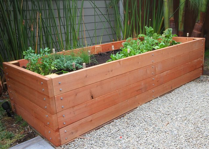 How To Build a Raised Garden Planter Bed - Gardening Project DIY .