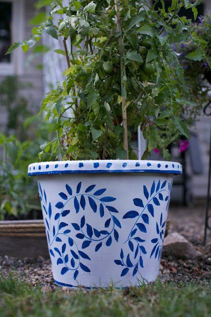 Pin by Danika Herrick on DIY | Paint garden pots, Painted flower .