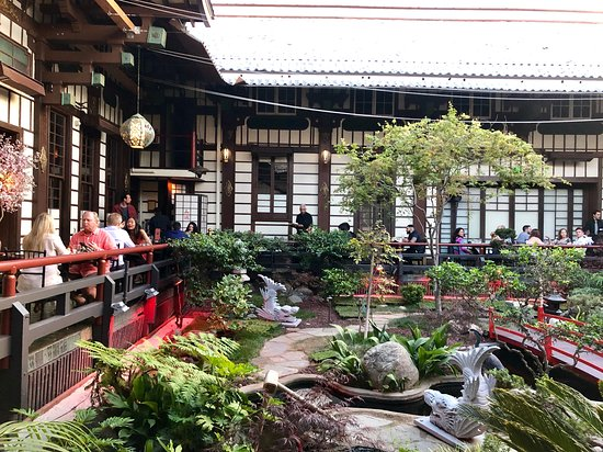 Japanese garden seating - Picture of Yamashiro Hollywood, Los .