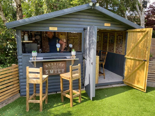 Photos: Couple turn garden shed into authentic pub in 3 days for .