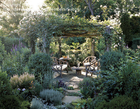 Garden Design: Rustic garden structure or furniture for front yard .