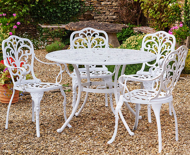 The new idea of recreating Garden tables and chair – Decorifus