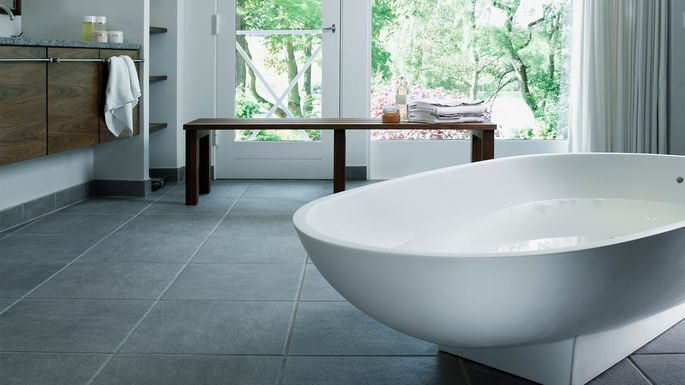 What Is a Garden Tub? A Hot New Bathroom Amenity Explained .