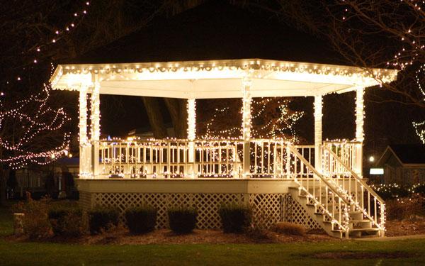 Christmas Lights on a Gazebo   The Lighting Mast