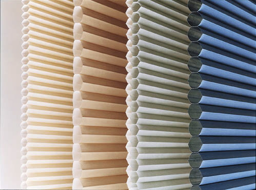 Fancy Honeycomb Blinds For A Beautiful Insulated Living Room .