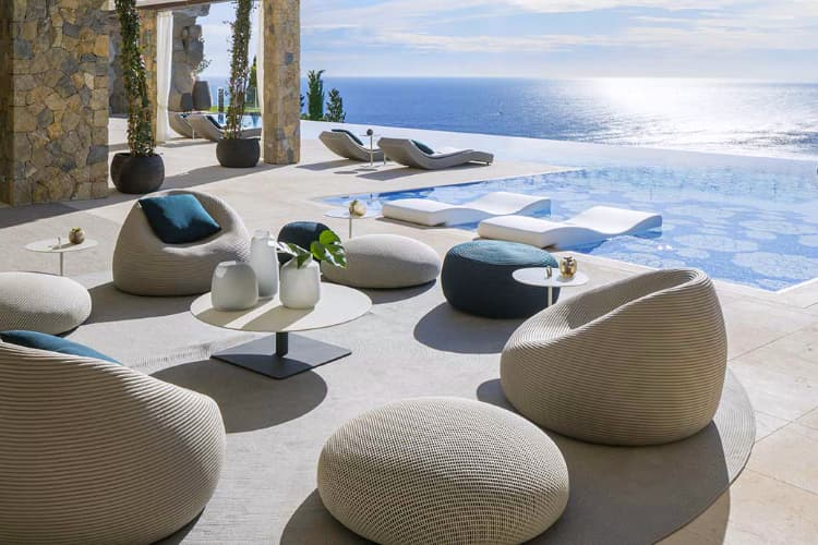 Best Luxury Outdoor Furniture Brands in 2020 | Luxury outdoor .