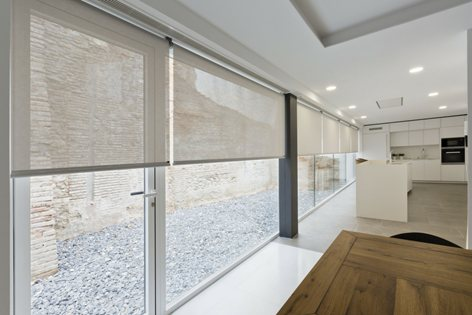 ROLLER BLINDS INSTALLED IN MODERN HOME | Sax
