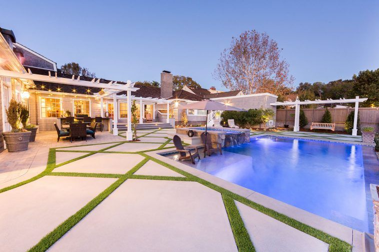 Modern Pool Decking Trends | Modern pools, Luxury pools, Pool dec